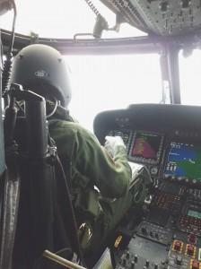 第21航空SH-60J機内