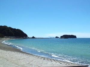 勝山海岸の浮島