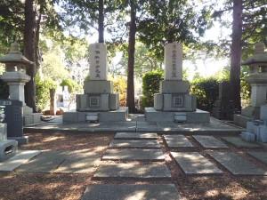 保科正益と節子夫妻の墓