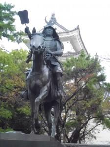 大垣城の戸田氏鉄像