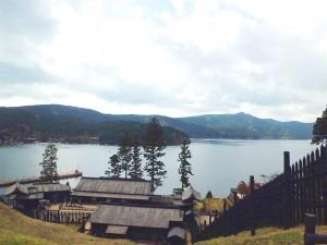 箱根関所と芦ノ湖