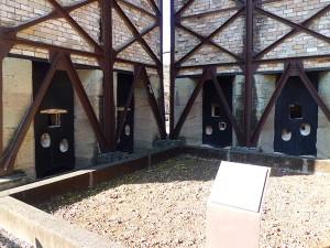 反射炉出湯口と鋳台場所