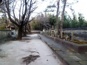 大樹寺松平八代墓の葵紋の門