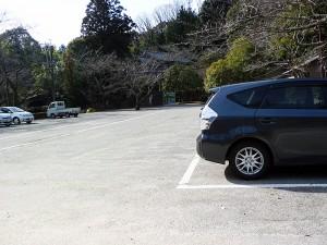 松平郷桜馬場跡地の駐車場