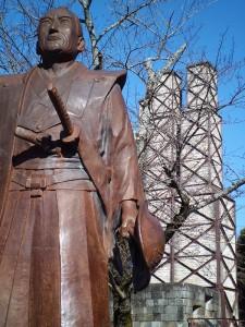 韮山反射炉と江川英龍像
