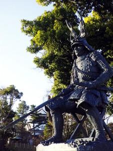 岡崎城の本多忠勝像