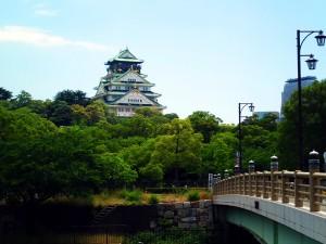 新鴫野橋から臨む大阪城天守閣