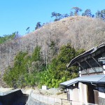 藤沢城外観と松倉川