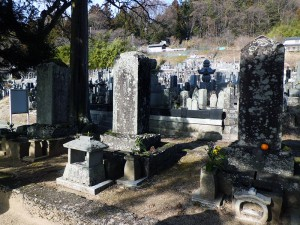 保科正直と正光父子と武田勝頼母の墓
