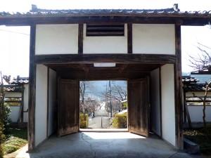 正永寺山門の裏