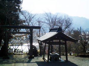 小鹿神社境内