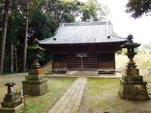 波岡下烏田熊野神社拝殿